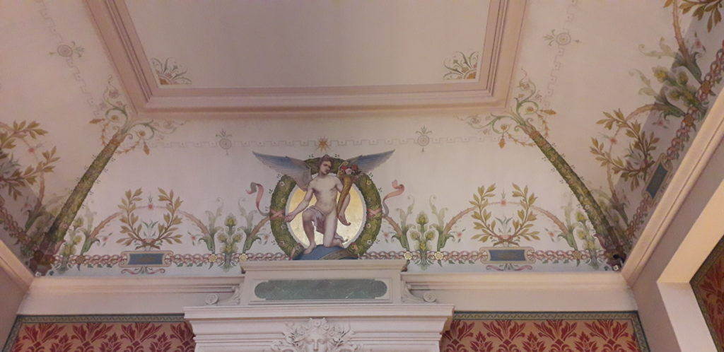 visit beautiful museum + french language